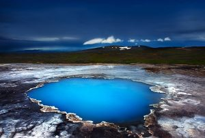 blue-pool-islanda-in-pullman