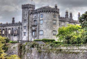 castello-kilkenny-tour-con-macchina-irlanda