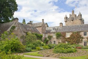 fly-and-drive-scozia-cawdor-castle