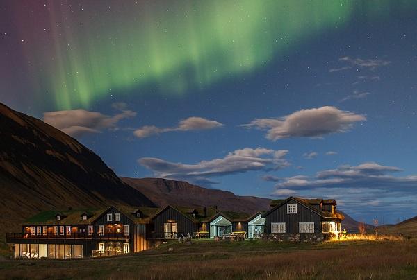 tour-in-pullman-tesori-islanda-luci-del-nord-6-giorni