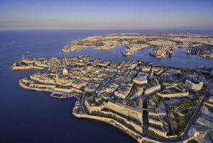 Tour di Malta in pullman: visita la Valletta con guida in italiano