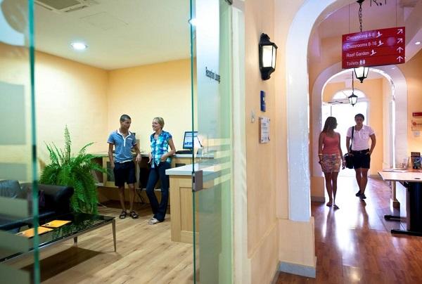 Vacanze studio per adulti a Sliema - Malta | Holidays Empire
