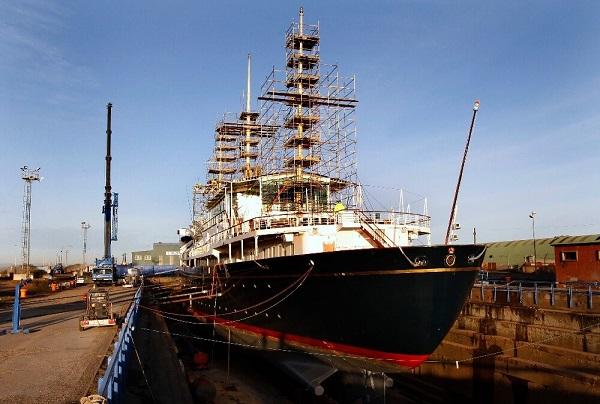 escursione-al-royal-yacht-britannia-scozia