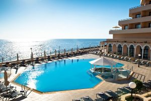 hotel-5-stelle-con-piscina-malta-radisson-blu