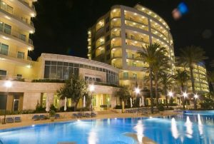 radisson-blu-golden-sands-resort-5-stelle-spa-hotels-a-golden-bay-malta