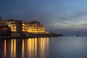 marina-hotel-at-the-corinthia-beach-4-stelle-sup-hotels-a-st-julians-malta